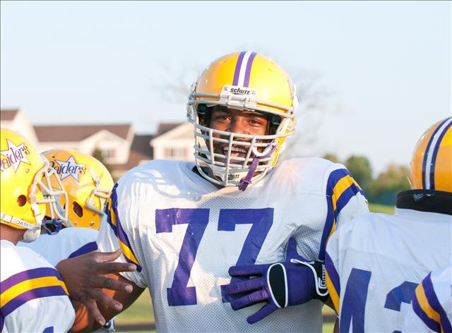 With Seantrel Henderson leading the way, Cretin-Derham Hall (Minn.) remains undefeated in 2009.