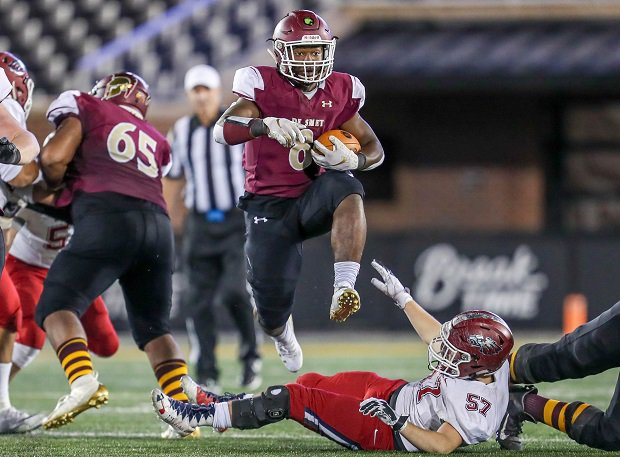 DeSmet football has helped the St. Louis school to a No. 5 ranking in the best boys athletic programs.
