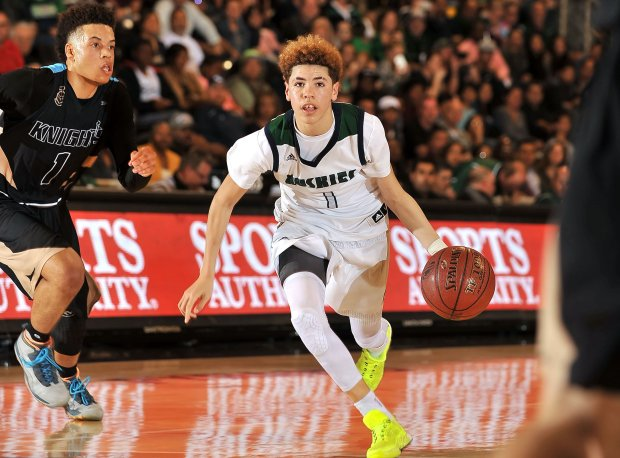 Freshman LaMelo Ball kicked in 17 points for the Huskies.