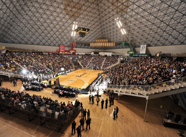 The Pyramid in Long Beach, Calif., was packed Saturday night to see the nation's No. 1-ranked team Chino Hills.