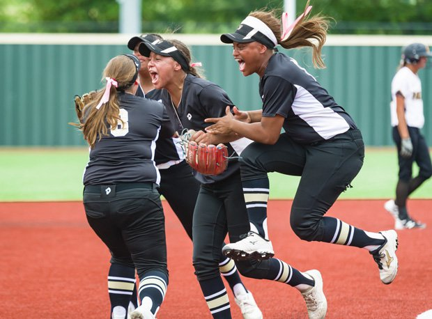The Colony, shown after beating Forney in the region final, handled Willis in the state title game.