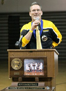 Dave Cresap earned praise by postinga 31-1 record at Perham. Buthis ability to guide his school,and his town, through tragedy iswhat earned him the MaxPreps MaleCoach of the Year award.