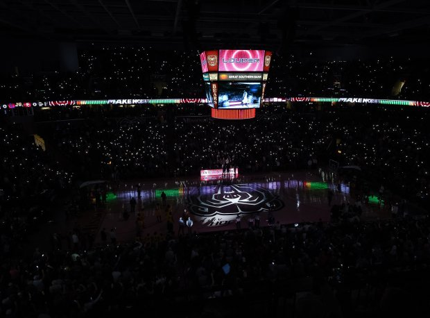 Over 10,000 fans were on hand for the 2018 Bass Pro final between Oak Hill Academy and La Lumiere.