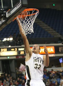 Mitty's Aaron Gordon is averaged more than 26 points in nonleague play.