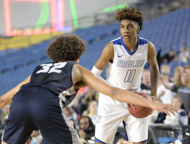 Jaden McDaniels in action during Washington's Class 4A state title game in March.
