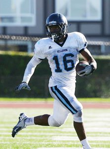 Kenneth Olugbode scored two TDs Friday in the win over Serra.