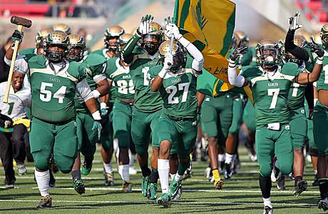 DeSoto continues to surge in the Texas playoffs after one of the best games of the season thus far.