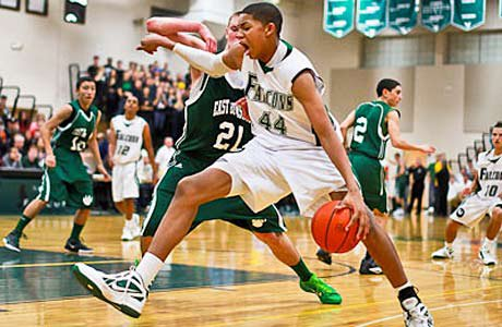Karl Towns announced Tuesday that he would reclassify and attend the University of Kentucky.