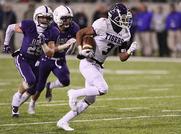 Pickerington Central senior Lorenzo Styles Jr. is the country's No. 11 receiver prospect.