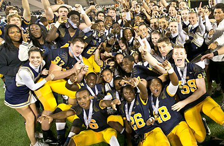 St. Thomas Aquinas is second in the MaxPreps Cup standings after a stellar fall sports season.
