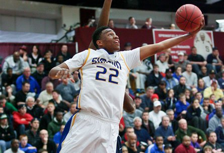 Jabari Parker averaged 19.5 points, 8.9 rebounds and 4.9 assists per game as a junior at Simeon, leading the Wolverines to their third state title in a row.
