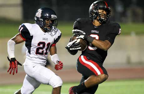 Coppell receiver Cameron Smith scores on a 35-yard touchdown reception in the fourth quarter that helped tie the game.