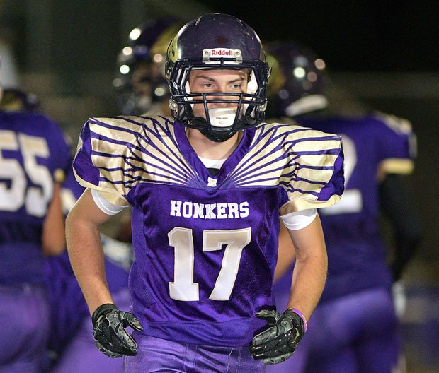 Luke Taylor caught a 17-yard TD pass from Danny Chavez for the only points in Willows' 6-0 win over Pierce.