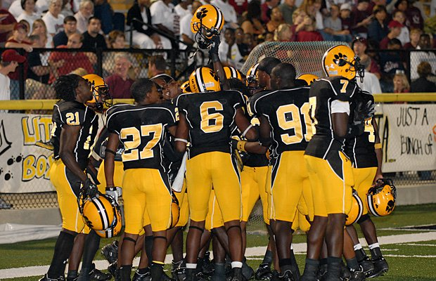 Valdosta is the high school football program with the most all-time wins with 876.