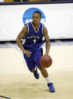 Damian Lillard as a junior at Oakland.