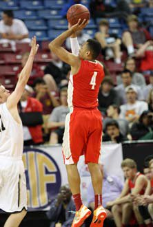 Elijah Brown stepped up with 11 pointsfor Mater Dei.