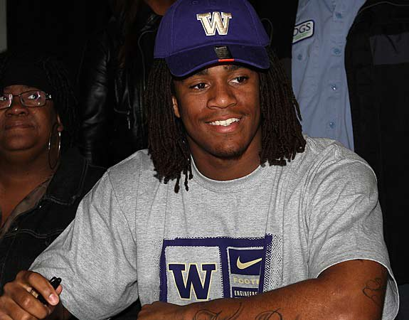Shaq Thompson is all smiles as a proud Washington Husky. He announced his commitment to the Huskies on Monday night via Twitter.