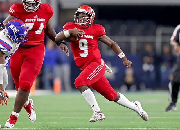 North Shore quarterback Demetrius Davis Jr. accounted for two touchdowns and finished with 122 yards rushing.