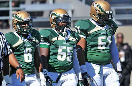 DeSoto looks to remain unbeaten as it takes on No. 24 Cedar Hill Friday.