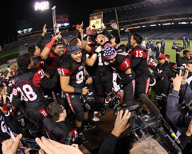 Centennial celebrates its second Pac-5 title in its second year in the division.