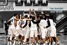 Eisenhower Tigers Boys Varsity Basketball Winter 16-17 team photo.