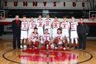 Sunnyside Grizzlies Boys Varsity Basketball Winter 17-18 team photo.