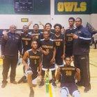 Southwestern Sabers Boys Varsity Basketball Winter 17-18 team photo.