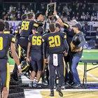 Bishop O'Dowd Dragons Boys Varsity Football Fall 18-19 team photo.