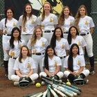 Alameda Hornets Girls Varsity Softball Spring 18-19 team photo.